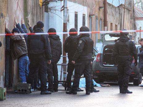 На месте перестрелки в Одессе полиция обнаружила цех по изготовлению оружия
