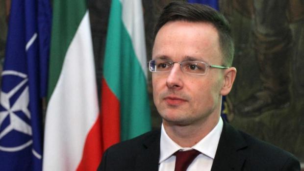 Глава МИД Венгрии рассказал о «трех ножах в спину» от Украины