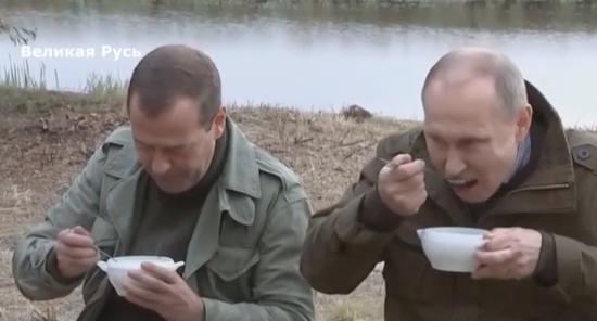 Путин или передаст бразды власти, или эти бразды у него просто заберут
