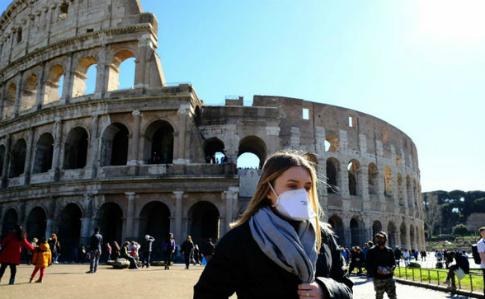 Италия: за сутки от коронавируса умерли 475 человек